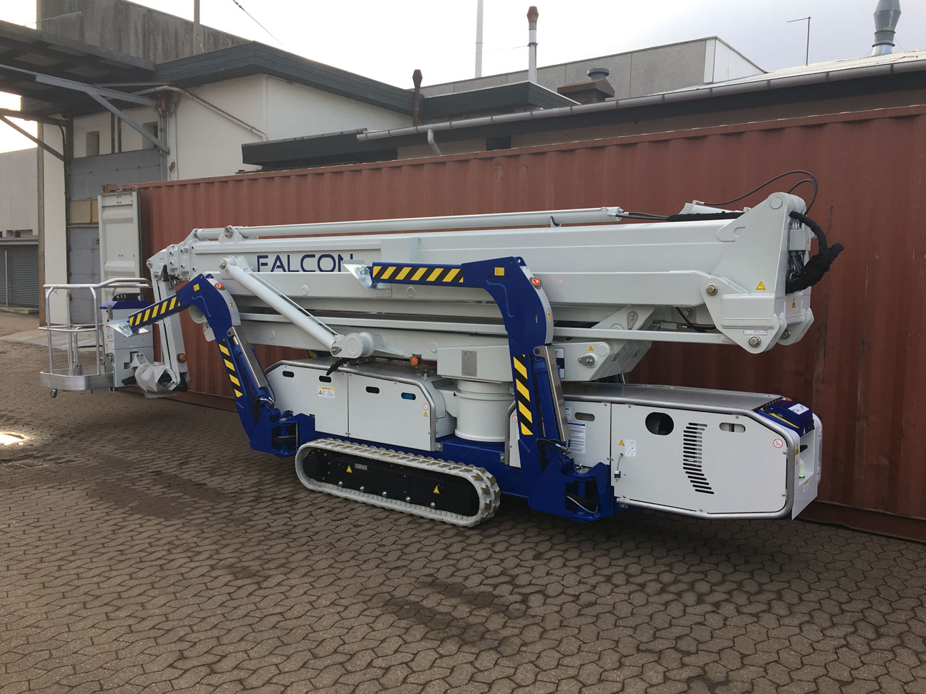 articulated Z-boom lift
